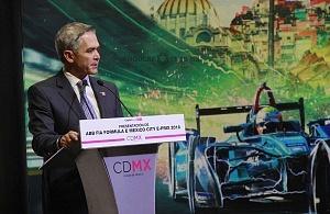 Jefe de Gobierno de la CDMX en la presntación de la Fórmula Eléctrica 2018 1