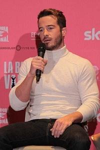 Ryan Carnes elenco de la pelicula La Boda de Valentina en conferencia de prensa 1