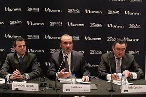 UNIFIN recibe reconocimiento otorgado por la Bolsa Mexicana de Valores, durante una ceremonia de timbrazo conferencia de prensa