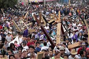 175 Representación de la Psión de Cristo en Iztapalapa segun cifras de la organización esta edición tuvo una asitencia aproximada de 2 millones de asistentes TA