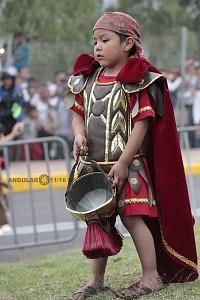 175 representación de la Psión de Cristo en Iztapalapa Inicio del Viacrucis niño disfrazado de Romano