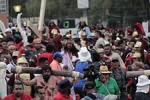 175 representación de la Psión de Cristo en Iztapalapa Inicio del Viacrucis recorrido en la calle principal