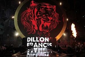 DJ DILLON FRANCIS en los World Dance Music Radio Awards 2018 en el Estadio Azteca