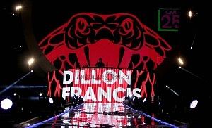 DJ DILLON FRANCIS en los World Dance Music Radio Awards 2018 en el Estadio Azteca P