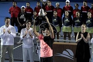 Juan Martín del Potro campeon del Abierto Mexicano de Acapulco 2018 con el trofeo de campeon 1