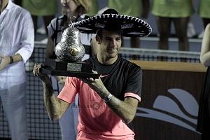 Juan Martín del Potro campeon del Abierto Mexicano de Acapulco 2018 con el trofeo de campeon