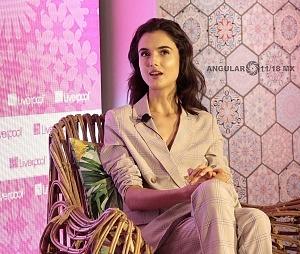 La Top Model Internacional Blanca Padilla en conferencia de prensa en la ciudad de México 1