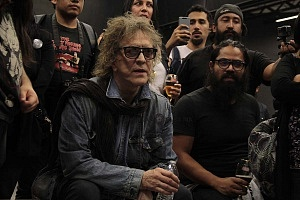 MIck Rock Inaugura Oficialmente en México la Exposición STARMAN del mítico David Bowie 11