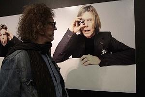 MIck Rock Inaugura Oficialmente en México la Exposición STARMAN del mítico David Bowie 7