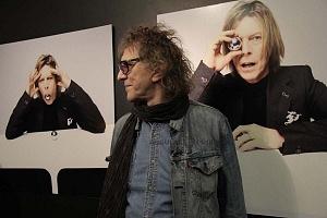 MIck Rock Inaugura Oficialmente en México la Exposición STARMAN del mítico David Bowie 8