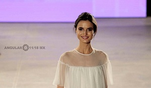 TOP MODEL BLANCA PADILLA EN EL FASHION FEST PRIMAVERA VERANO 2018 pp