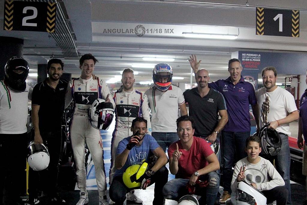 Virgin racing de Fórmula E; presento a sus pilotos Alexander Lynn y Sam Bird exhibición carros go karts 3