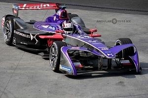 auto numero 36 de la escuderia Virgin piloto Alex Lynn
