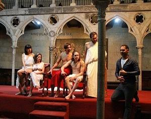 Antonio y Cleopatra de William Shakespeare dirijida por Gutemberg Brito Patatiba interpretada por la compañia Corazón Compañía Creativa 12