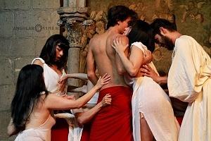 Antonio y Cleopatra de William Shakespeare dirijida por Gutemberg Brito Patatiba interpretada por la compañia Corazón Compañía Creativa 2