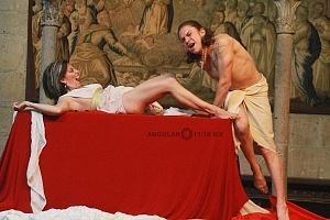 Antonio y Cleopatra de William Shakespeare dirijida por Gutemberg Brito Patatiba interpretada por la compañia Corazón Compañía Creativa 9
