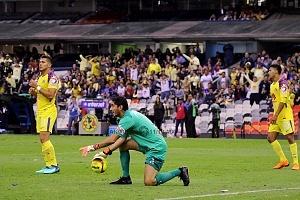 Jesús Corona portero del Cruz Azul en la Jornada 13 del torneo de Clausura 2018 AM