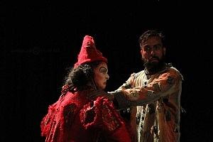 Lacuna, el circo de todos, es una propuesta de la diseñadora Sol Kellan y dirigida por Nicolás Berma KL