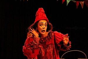 Lacuna, el circo de todos, es una propuesta de la diseñadora Sol Kellan y dirigida por Nicolás Bermat AR