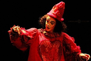 Lacuna, el circo de todos, es una propuesta de la diseñadora Sol Kellan y dirigida por Nicolás Bermat OP