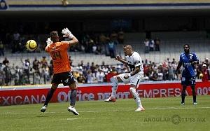 Nicolas Castillo delantero de Pumas en la victoria Frente al Puebla en la jornada 15 pu