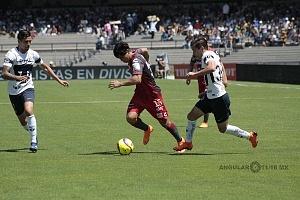 Pumas empató a un gol con Necaxa descolgada del delantero de Necaxa Victor Davila