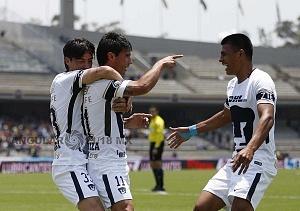 festejo del gol de Matías Alustiza delantero de Pumas frente al Puebla en la Jornda 15