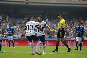 festejo del gol que pone a los pumas en la liguilla de Matías Alustiza contra Queretaro