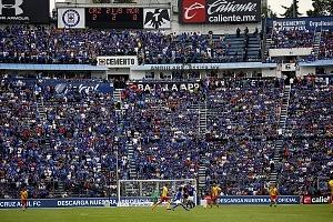 la afición del Cruz Azul se despide del estdio que dfuera su casa tras 22 años de historia en la jornda 16 del torneo Clausura 2018 t