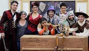 puesta en escena Un banquete para el difunto Don Quijote con la compañia La Bomba Teatro FO