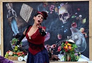 puesta en escena Un banquete para el difunto Don Quijote con la compañia La Bomba Teatro MR