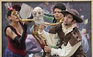puesta en escena Un banquete para el difunto Don Quijote con la compañia La Bomba Teatro TT