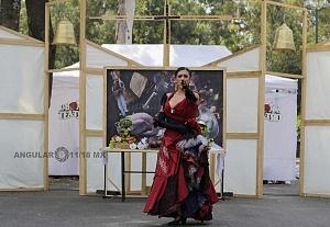puesta en escena Un banquete para el difunto Don Quijote con la compañia La Bomba Teatro VR