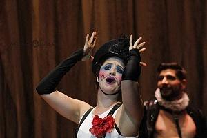 Actriz Adriana Montes de Oca en la puesta en escena Noche de Reyes 1