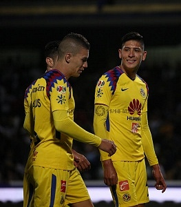 America festeja sus 4 a goles frente a los Pumas en el partido de ida de los cuartos de final del clausura 2018 3