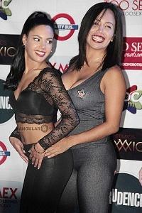 Apolonia LaPiedra y Luna Bella Actrices de entretenimiento para adultos en la presentaciòn de Expo Sexo y Erotismo 2018