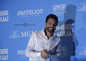 Eugenio Derbez estrena en México Hombre al agua