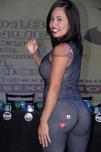 Luna Bella actriz modelo y conductora de entretenimiento para adultos en la presentaciòn de Expo Sexo y Erotismo 2018
