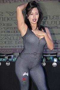 Luna Bella actriz modelo y conductora de entretenimiento para adultos en la presentaciòn de Expo Sexo y Erotismo 2018 r