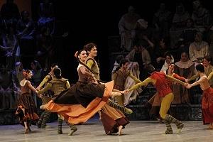Presentación de Carmina Burana, de Nellie Happee homenaje a toda una vida en la danza ensayo general Palacio de Bellas Artes 2018 bailarines