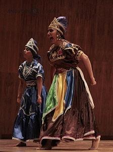 XV Festival del Tambor y las Culturas Africanas en Mèxico Grupo Cubano danza orisha bailarina vestido cafe