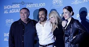 elenco de la pelicula Hombre al Agua en su estreno en México 1
