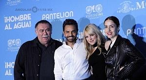 elenco de la pelicula Hombre al Agua en su estreno en México 6