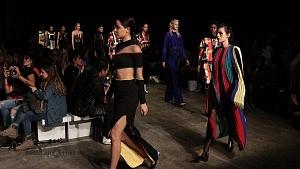 quinto día de la edición XXIII del Mercedes-Benz FashionWeek, sede Frontón México pasarela