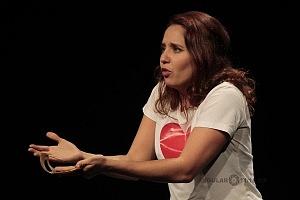 Actriz Adriana Montes de Oca puesta en escena Romeo y Julieta de Bolsillo en el Centro Cultural Hèlenico Foro la Gruta