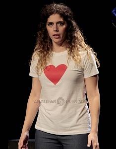 Actriz Brenda de Arrigunaga en la puesta en escena Romeo y Julieta de Bolsillo en el Centro Cultural Hèlenico Foro la Gruta 2