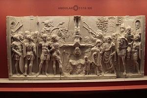 Frontal de Sarcòfago con Traditio Legis y escenas Bliblicas 1