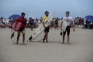 Surfistas participantes del Puerto Escondido Cup 2018 playa Zicatela