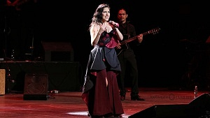 cantante y compositora María Inés Ochoael en el debut de La Rumorosa en el Teatro de la Ciudad 1