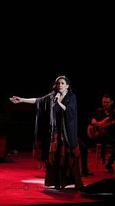 cantante y compositora María Inés Ochoael en el debut de La Rumorosa en el Teatro de la Ciudad 4